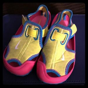 Nike Toddler Sunray protect swim shoes